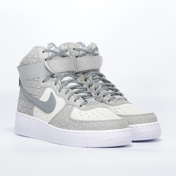 d8b7c82ff3c NIKE AIR FORCE 1 High top Suede Sneakers NEW